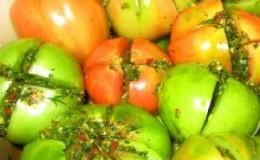 Comment cuisiner des tomates vertes pour l'hiver: recettes simples mais inhabituelles et délicieuses du monde entier