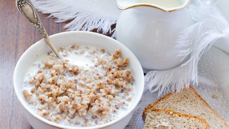 Pourquoi le sarrasin avec du kéfir est utile pour perdre du poids le matin et comment le cuire correctement